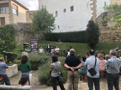 Asistentes Al Lanzamiento De La Revista Conocer Navarra En La Casa Museo Del Centro Henri Lenaerts
