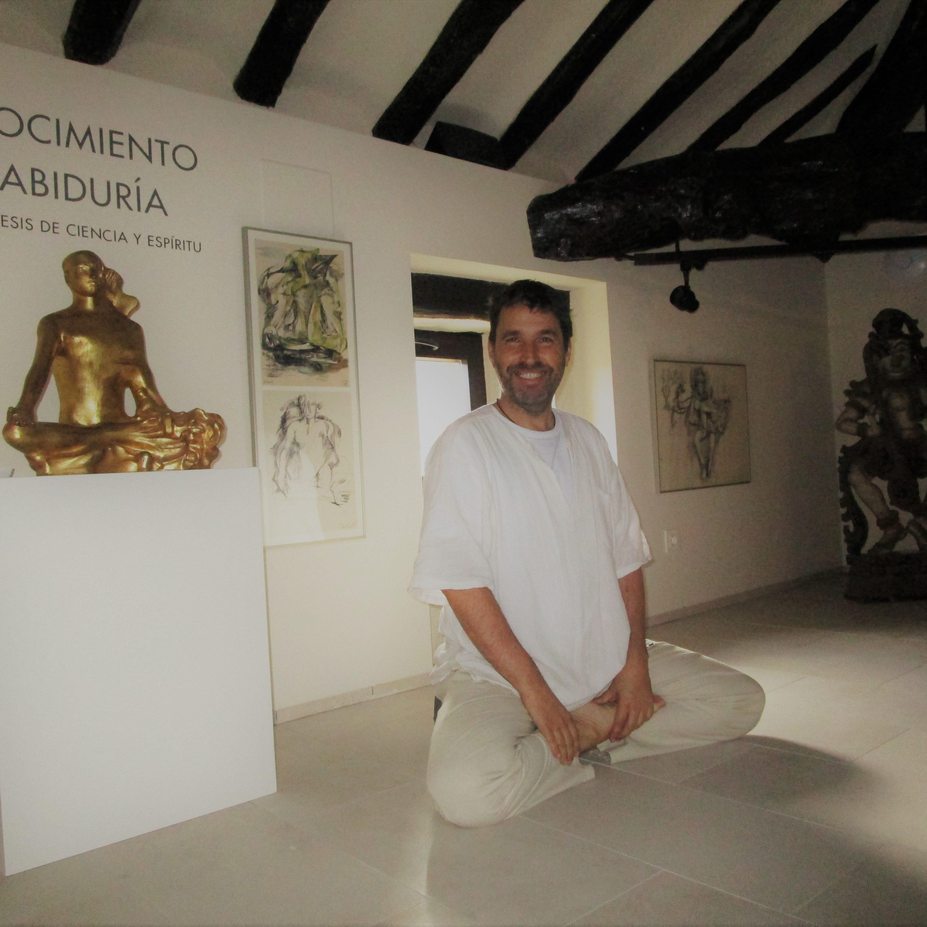 Raúl Hernández Amillano guiará la próxima sesión del seminario de yoga, meditación y relajación.