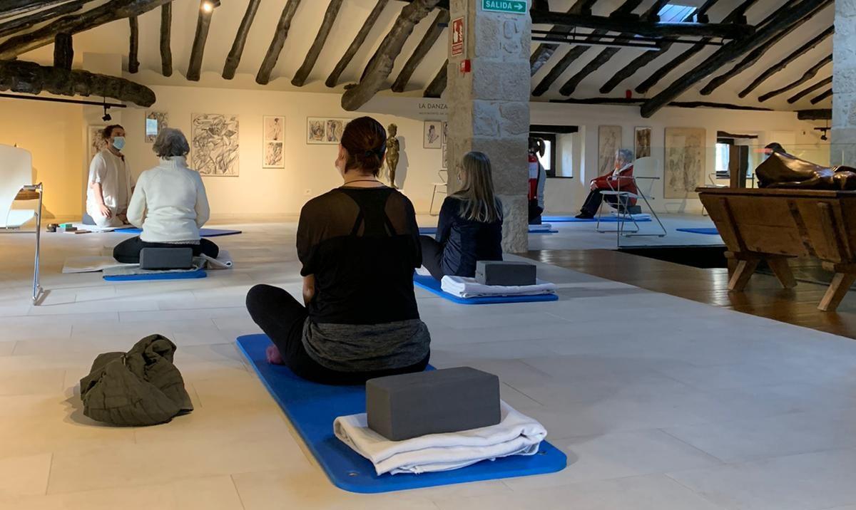 Seminario de yoga, meditación y relajación